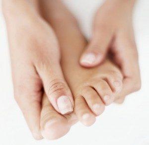 Чем грозит киста на пальце ноги
